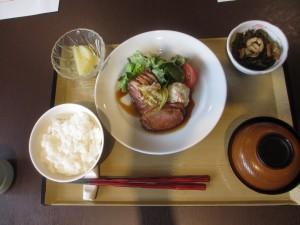 毎月29日はお肉の日なので、 お昼は合鴨の和風ロースト