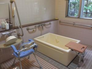 お風呂は必ず一人は付き添う